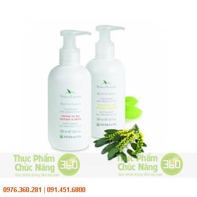 NouriFusion Cleanser with Vitamin A, C & E - Sữa rửa mặt NuoriFusion Cleanse với vitamin A, C và E c