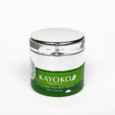 Kem Dưỡng Trắng Da Ban Ngày Kayoko Day Cream màu xanh